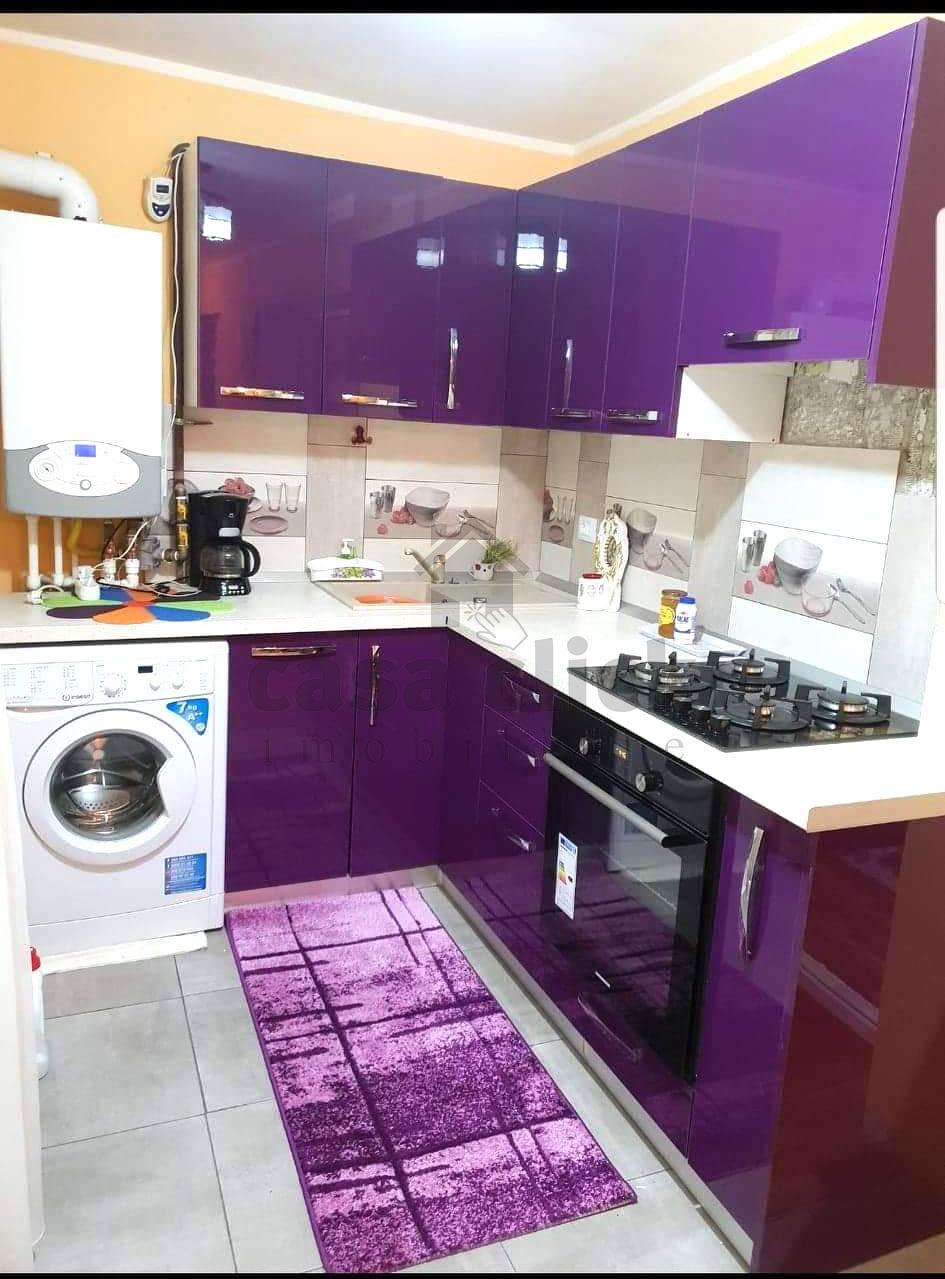 Apartament 3 camere, mobilat, utilat, etaj intermediar