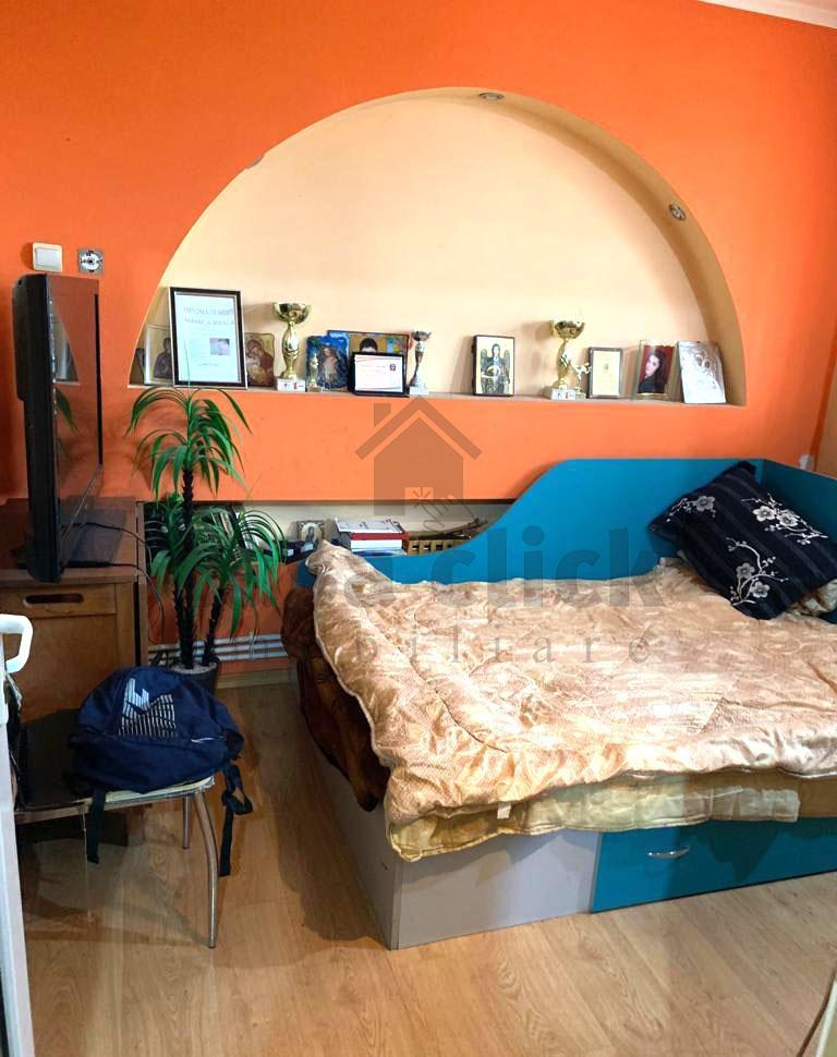 Apartament spatios cu 4 camere, mobilat si utilat