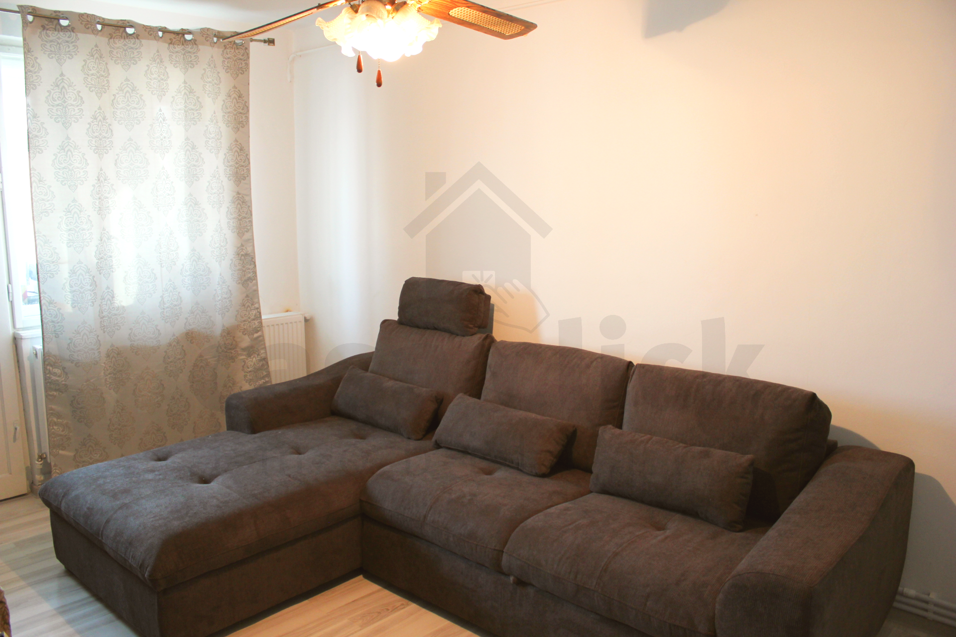 Apartament Piata Centrala: 3 camere, dotari moderne, zona excelenta