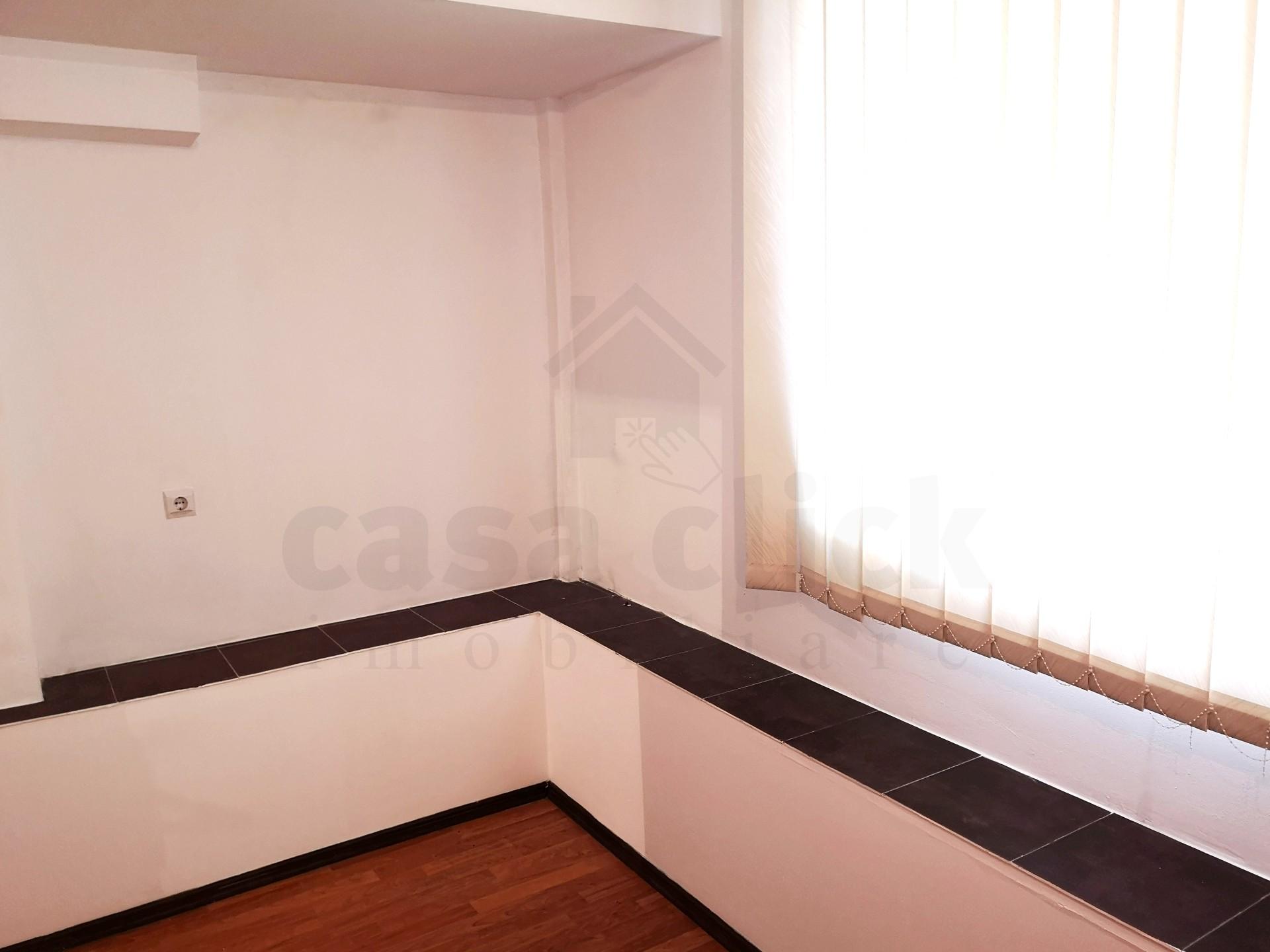 Apartament 1 camera, nemobilat, zona ultracentrala