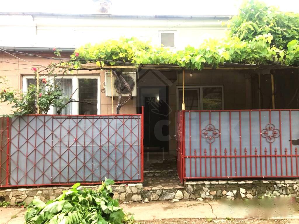 Casa renovata, toate utilitatile, centrala termica, strada Universitatii