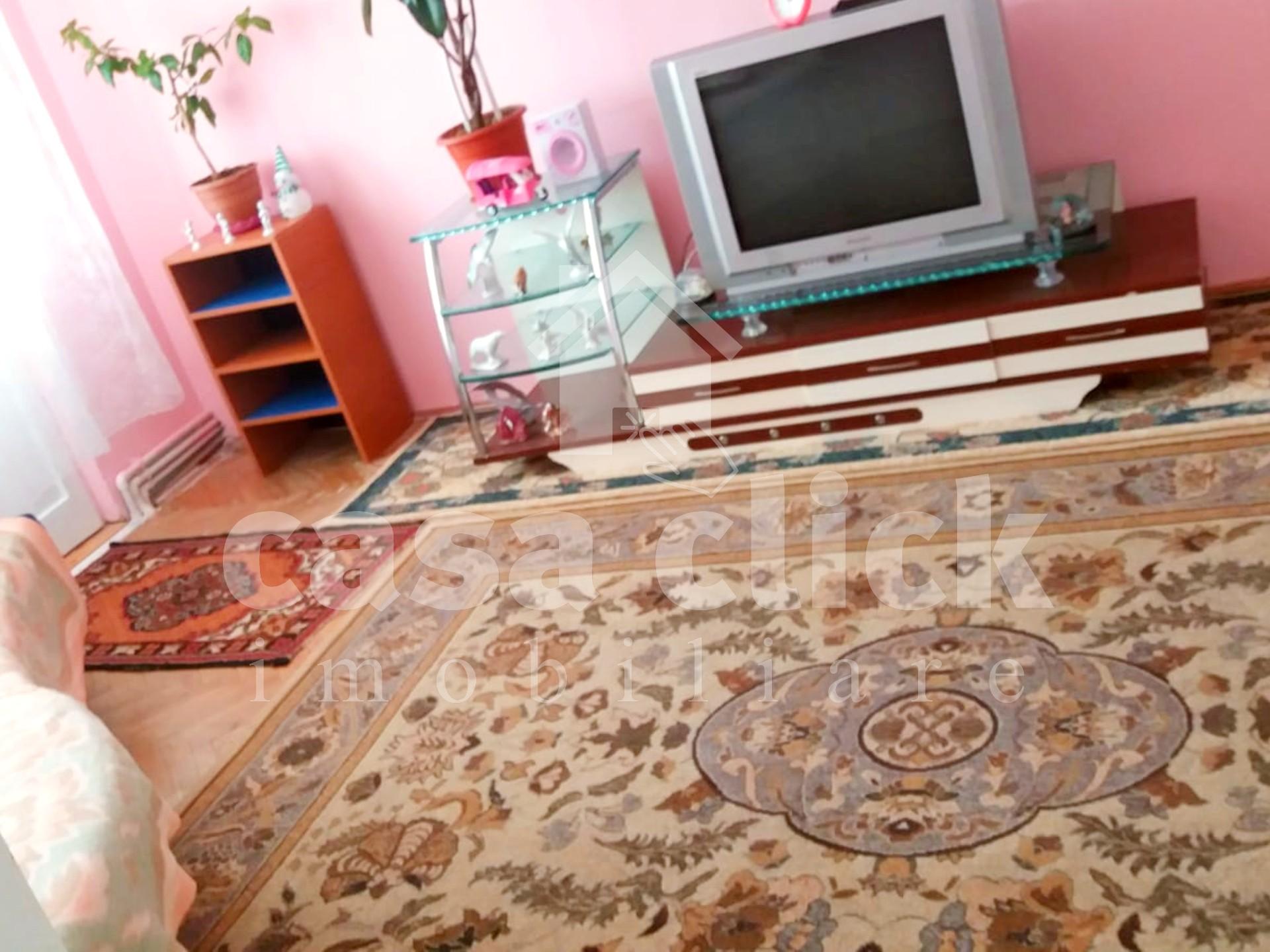 Apartament 3 camere Tiglina 1, centrala termica, etaj intermediar