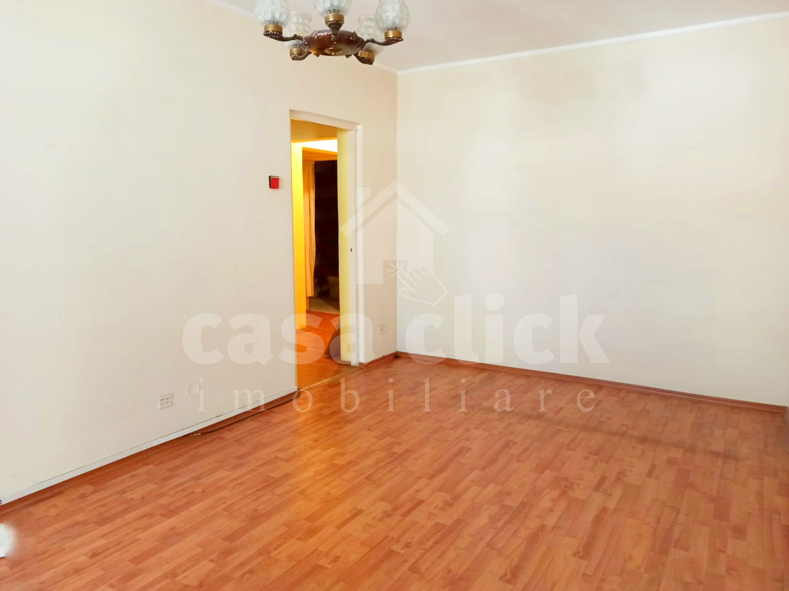 Apartament 3 camere, I.C.Frimu, etaj 3, centrala termica